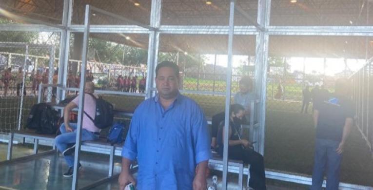 Dois Irmãos do Buriti ganha arena de grama sintética do Governo do Estado