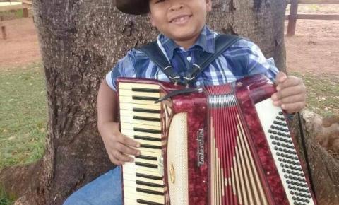 Show da Terra apresenta neste domingo o sanfoneiro João Victor, de 8 anos, e a dupla Fred Moura & Cristianno