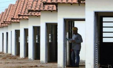 Moradores de Dois Irmãos do Buriti têm dez dias para regularizar contrato habitacional