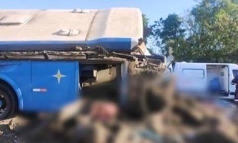 Acidente em rodovia no interior de SP deixa dezenas de mortos