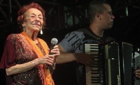 Final do Festival On-Line da Melhor Idade terá participação da cantora Delinha, a Dama do Rasqueado