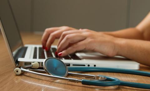 Após um ano de regulamentação, telemedicina se consolida como  opção de acompanhamento médico integral