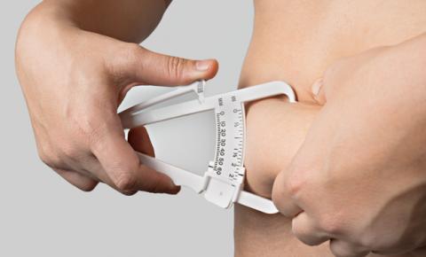 Gordura abdominal também é fator agravante para a Covid-19, dizem estudos
