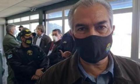 Em Ponta Porã, Azambuja agradece a Bolsonaro por 165 mil vacinas à fronteira