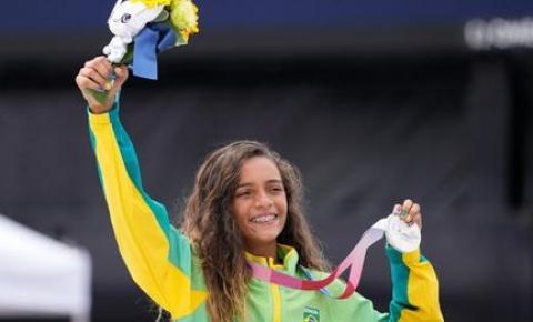 Rayssa Leal faz história no skate: aos 13 anos, Fadinha é prata nas Olimpíadas
