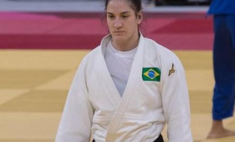 Mayra leva bronze e é a 1ª brasileira com 3 medalhas em esportes individuais