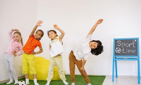 Ministério da Saúde lança o primeiro Guia de Atividade Física Brasileiro que recomenda exercícios para bebês e crianças