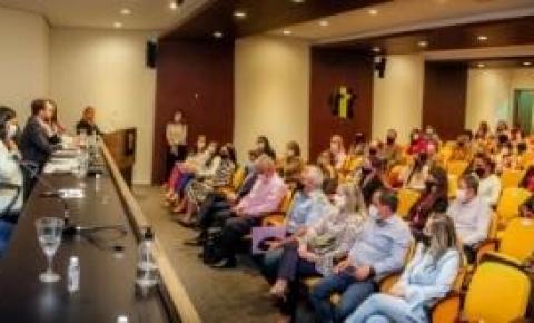 Agosto Lilás: Em comemoração aos 15 anos da Lei Maria da Penha, seis municípios recebem o Selo Social Prefeitura Amiga da Mulher