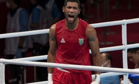 Hebert Conceição vence ucraniano com nocaute e conquista o ouro no boxe