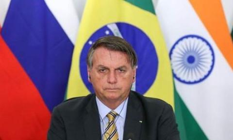 Bolsonaro se reunirá com caminhoneiros para tentar suspender paralisações